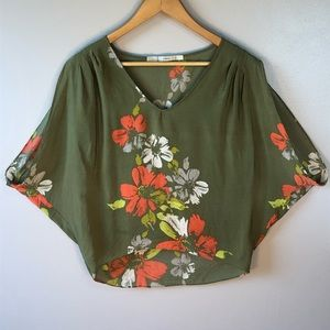 Gibson Green Floral V Neck Oversize Blouse Small